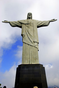 You can't think of Rio without thinking of Corcovado. We went up on Easter Sunday. BIG mistake. We think that the entire city, 18 million plus, we're trying to get up here via a 2 lane windy road. It did end up in gridlock. Cars from top to bottom.